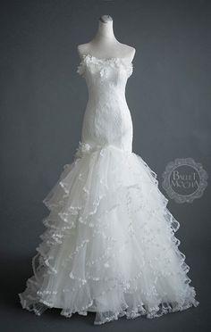 555 Best wedding dresses images  b633c371bc1c