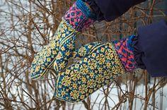 Ravelry: Angela's Mittens pattern by Yvette Noel free Pattern is written for Magic Loop or 2 circulars. Mittens Pattern, Knit Mittens, Knitted Gloves, Fair Isle Knitting, Hand Knitting, Knitting Patterns, Wrist Warmers, Hand Warmers, Crochet Stitches