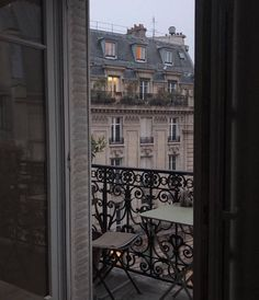 "breath-of-french-air: ""Breath of French Air "" A Day In Paris, Oh Paris, Moving To Paris, France, Dream City, Travel Aesthetic, Art And Architecture, Strand, Beautiful Places"