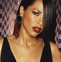 The beautiful Mz Aaliyah, Love this make up look, love the lip colour also, So classy <3