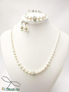 Meska - Egyszerű gyöngysor Swarovski gyöngyből Edina09 kézművestől Pearl Necklace, Pearls, Jewelry, Fashion, Moda, String Of Pearls, Bijoux, Jewlery