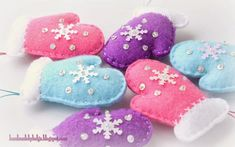 I made a large order for my constant customer recently. It includes a set of ornaments in the form of Christmas trees, mittens, balls, Gin...