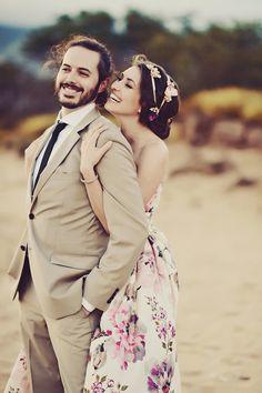 romantic beach wedding photos @weddingchicks