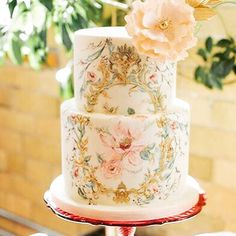 What gorgeous handpainted details on this cake! Image source unknown…