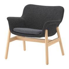 VEDBO Křeslo IKEA Díky nadčasovému designu můžete křeslo VEDBO umístit do různých interiérů a sladit s dalším nábytkem.
