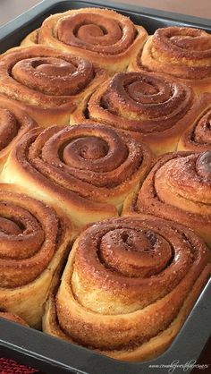 LOS-MEJORES-CINNAMON-ROLLS Cinammon Rolls, Eat Dessert First, Sweet Treats, Deserts, Food And Drink, Sweets, Snacks, Breakfast, Cake