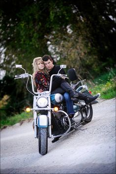 Motorcycle engagement photo-Love the color and detailing of the outdoors-perfect! Motorcycle Engagement Photos, Motorcycle Wedding, Engagement Shots, Engagement Couple, Engagement Pictures, Biker Love, Biker Girl, Biker Wedding Theme, Couple Photography