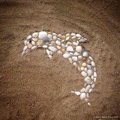 Beach Art by Anne Marie Price #AnneMariePrice #mosaic #beachart #beach #art #shells #AMPartStudio #CA
