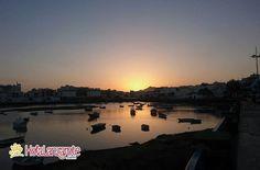 Los viajes son como los atardeceres si uno espera demasiado se los pierde.   . #Lanzarote #HolaLanzarote  #CharcodeSanGinés #Arrecife #Atardecer #Sunset #Ig_Lanzarote #Canarias #IslasCanarias #CanaryIslands