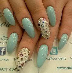 The nail shape (I already love to the max and currently wearing) is a must, the nail art is just so dreamy <3.<3