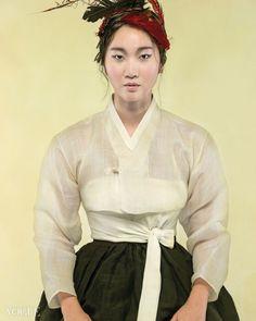 Modern Fabrics- Vogue Korea