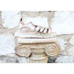 Artemis Gold Sandals ✨ #twininas #twiniñas #artemis #leather #sandals #greek #white #rubber #sole #natural #gold #summer #mousastreet #etsy #shop #summer #artisan #igdaily #greekislands #fashion...