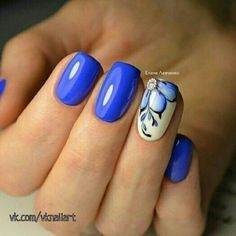 65 Blue Nail Art Ideas-- Glossy Blue with White Nail Art. Get your nails painted with this simple and classy nail art design with blue color. Classy Nails, Fancy Nails, Trendy Nails, Nail Design Spring, Spring Nail Art, White Nail Art, New Nail Art, Blue And White Nails, Hot Nails