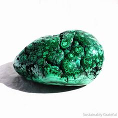 Polished Malachite Specimen Crystal Healing Home Decor Green Stone Metaphysical Supply Altarpiece Gift Natural Malachite Natural Paperweight