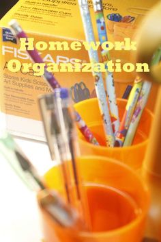 How cool is this art caddy. i have had it for a few weeks now, and I found many amazing uses. From helping with homework to organizing a homeschool space and looking good in the classroom. This art caddy from Fiskars is a must have for organization.
