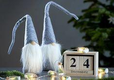 Karácsonyi időtöltés az egész családnak | JYSK Christmas Ornaments, Holiday Decor, Home Decor, Decoration Home, Room Decor, Christmas Jewelry, Christmas Decorations, Home Interior Design, Christmas Decor
