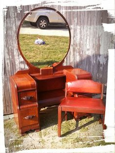 vintage vanity with round mirror. I love these old waterfall vanities from the and Love them with more of a  simple gold pull larger round mirror Vintage 1940s Vanity w Large Round Mirror Four Drawers