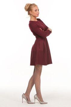 Talliertes Kleid mit langen Ärmeln und ausgestelltem Rockteil, knielang, Farbe…