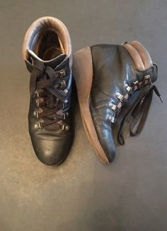 Kaufe meinen Artikel bei #Kleiderkreisel http://www.kleiderkreisel.de/damenschuhe/stiefeletten/149108557-schwarze-hiking-wedges-boots-flip-flop