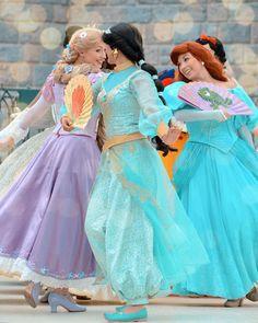Disney Face Characters, Princess Jasmine, Business Photos, Disneyland Paris, Disney Animation, Rapunzel, The Little Mermaid, Cool Pictures, Disney Land