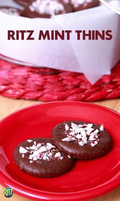 Send your holiday party guests home with these RITZ cracker Mint Thins! They're so easy to make: cover a RITZ in melted chocolate and sprinkle with crushed peppermint. Pop them in the fridge until they harden.