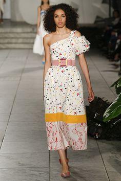 Carolina Herrera Spring 2018 Ready-to-Wear Undefined Photos - Vogue