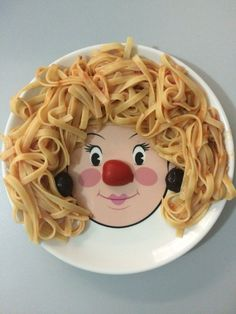 Miss tomato nose #winterathome diy #foodfun