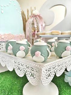 tea party birthday cakepops