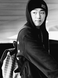 This is how you know Zico is truly beautiful. Because he is literally covered from head to toe in all black, a beanie AND his hood up. No makeup, no enhancements. All we can see is just his raw, natural face. And he's STILL attractive