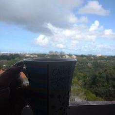 """""""as manhãs são pra café e contemplação"""" - Delegado Hopper em #StrangerThings"""