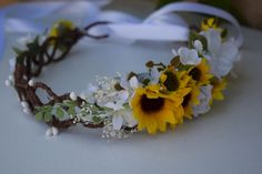 Great 40 Best Sunflower Crown Design Ideas For Amazing Wedding https://oosile.com/40-best-sunflower-crown-design-ideas-for-amazing-wedding-5227