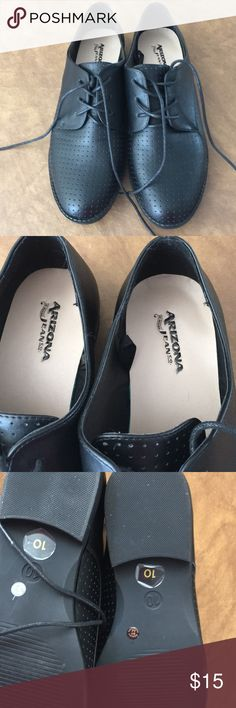 Black flat size 10 ladies shoes by Arizona Jean co Brand new didn't fit my relative Arizona Jean Company Shoes Flats & Loafers