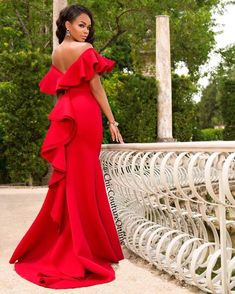 Gorgeous Red Prom Dresses Off Shoulder 2019 Satin Backless Mermaid Evening Gowns Saudi Arabia Ruched Sweep Train Formal Party Dress Formal Dresses Online, Prom Dresses, Wedding Dresses, Dress Online, Mermaid Evening Gown, Evening Gowns, African Attire, African Dress, Elegant Dresses