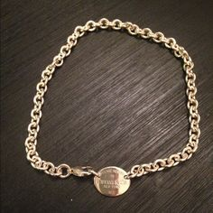 Amazing Tiffany's necklace Return to Tiffany's 100% authentic necklace! Amazing condition barely ever worn! Comes with jewelry bag and box! Any questions please ask! Tiffany & Co. Jewelry Necklaces