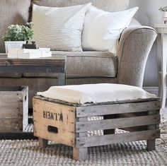 See how I used an old apple crate and vintage money sacks to create a cute and comfortable DIY Ottoman for our living room! Diy Furniture Chair, Green Furniture, Wood Pallet Furniture, Painted Furniture, Crate Ottoman, Diy Ottoman, Table Palette, Apple Crates, Wooden Projects