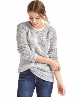 Style meets cozy comfort in these chic sweaters for women from Gap. Find women's sweaters from cardigans to pullovers in a range of colors and soft fabrics. Fall Winter Outfits, Autumn Winter Fashion, Winter Clothes, Long Sweaters, Sweaters For Women, Marled Sweater, Crewneck Sweater, Outfits 2016, Sweater Fashion