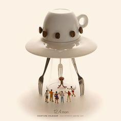 15 New Amazing Scenes From Tatsuya Tanaka Miniature Calendar Project Micro Photography, Miniature Photography, Creative Photography, Miniature Calendar, Tiny World, Creative Artwork, Mini Things, People Art, Everyday Objects