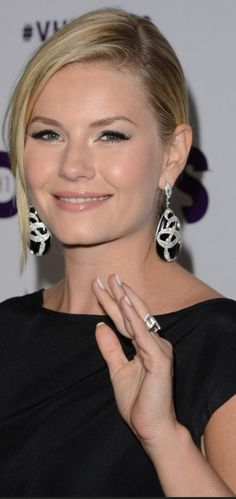 Free celebrity photo gallery hosted by So Sugary. Elisha Cuthbert, Celebrity Photos, Diva, Photo Galleries, Celebrities, Gallery, Image, Fashion, Moda