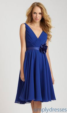 @Laura Jayson bailer This dress is to expensive and has a weird flower, but what do you think about the shape?