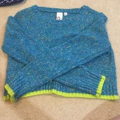 Blue and neon yellow trimmed sweater crop top! This crop top is perfect for the not so hot not so cold weather :) OhMG! Tops Crop Tops