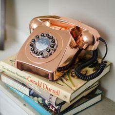 Wild and Wolf 746 Telephone