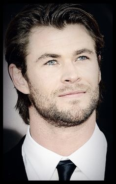 Chris Hemsworth - Thor - The Avengers Cast