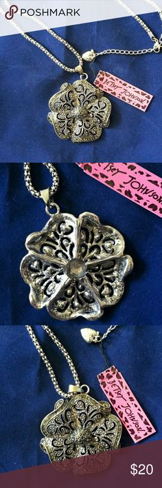 """**DROP**BETSEY JOHNSON FLOWER NECKLACE Gorgeous BETSEY JOHNSON FLOWER NECKLACE in silver tone with a filigree and jewels look on the front. Plain silver tone on the back. It has a 28"""" chain with a lobster claw clasp.On sale until midnight EST Betsey Johnson Jewelry Necklaces"""
