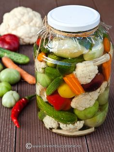MURATURI ASORTATE PICANTE IN SARAMURA | Diva in bucatarie Fall Recipes, Healthy Recipes, Good Food, Yummy Food, Food Wishes, Romanian Food, Anti Inflammatory Recipes, Mixed Vegetables, Dessert Drinks