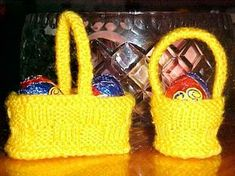 Cute Easter eggs basket by Aussie Jean's Knitting. Find the free pattern here: link