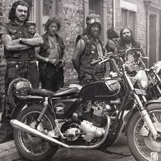 Jungle and co. Harley Bikes, Hells Angels, Biker Style, Vintage Motorcycles, Canoe, Motorbikes, Photos, Bikers, Cafe Racers