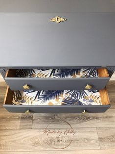 Gold Painted Furniture, Refurbished Furniture, Repurposed Furniture, Furniture Ideas, Writing Bureau, Writing Table, Grey And Gold, Blue Grey, Bureau Upcycle