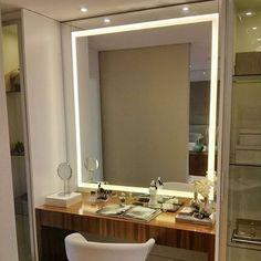 28 Ideas closet con espejo y escritorio for 2019 Bedroom Closet Storage, Closet Curtains, Master Bedroom Closet, Home Room Design, House Design, Dressing Table Design, Dressing Tables, Walk In Closet Design, Small Space Bathroom