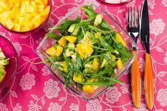 Rucola-Mango-Salat mit Pinienkernen und Orangendressing
