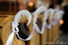 Feather wedding aisle decor